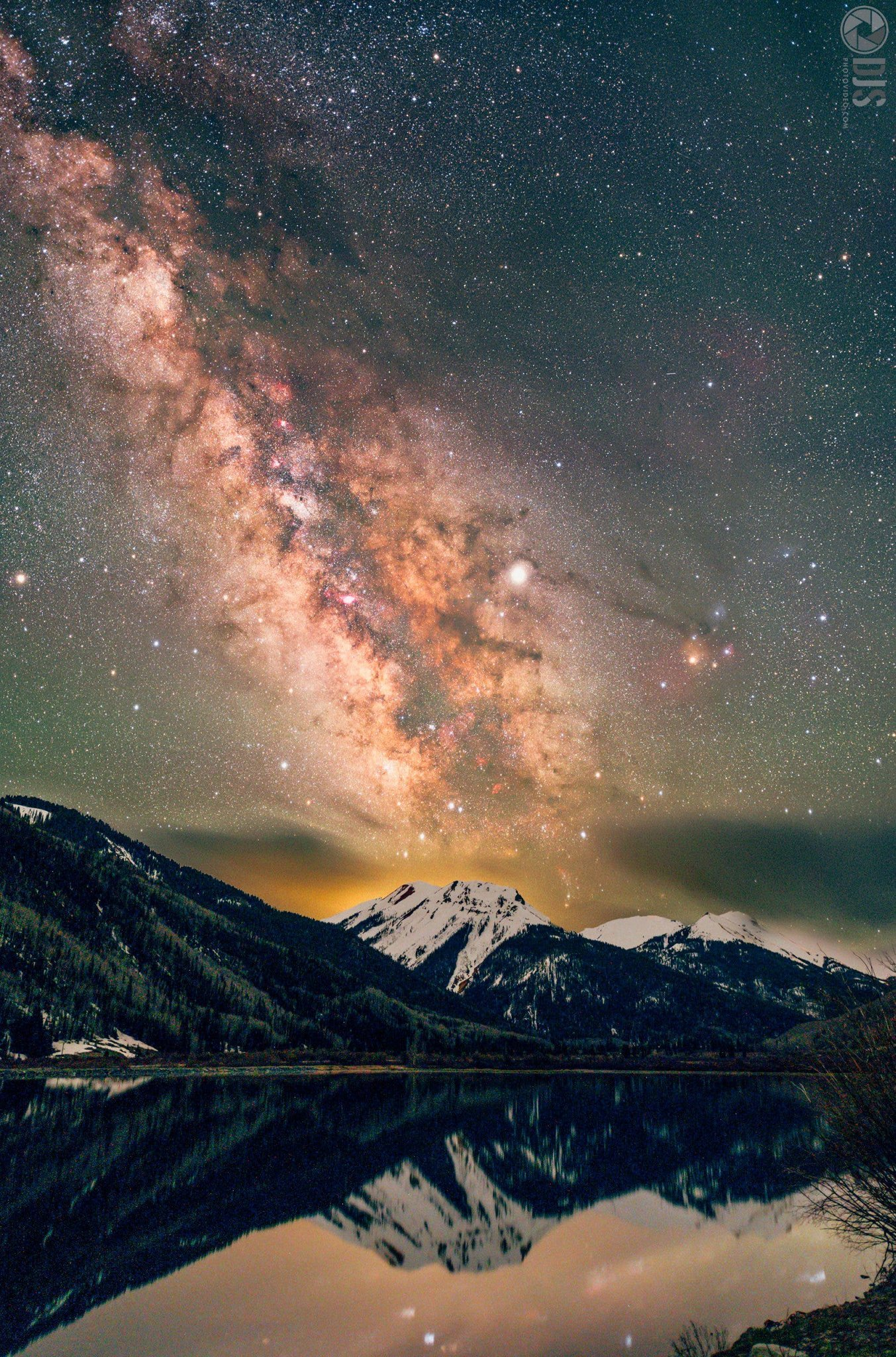 Into Astrophotography? You'll Enjoy What These Photographers Did