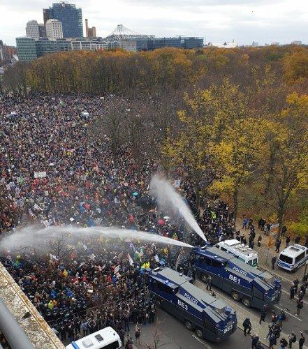 Protesting the Covid-19 Lockdown