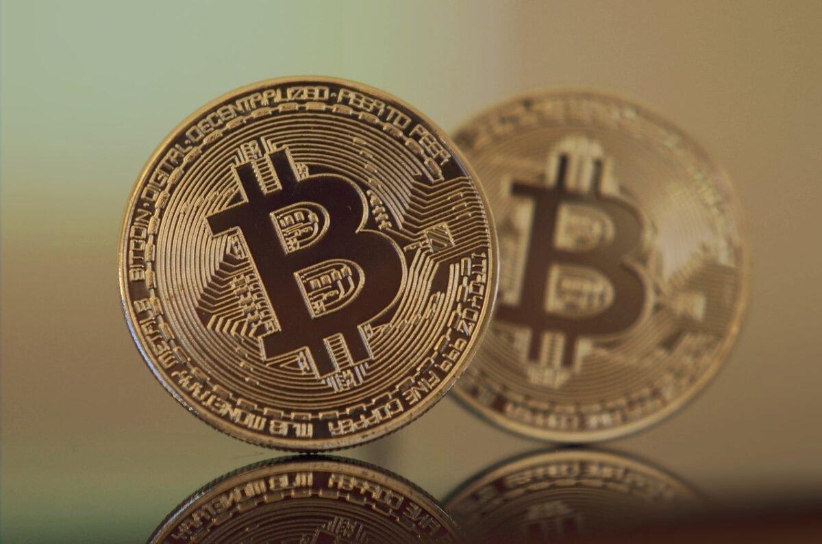 These 2 Bitcoin roadblocks are 'arguably healthy!'