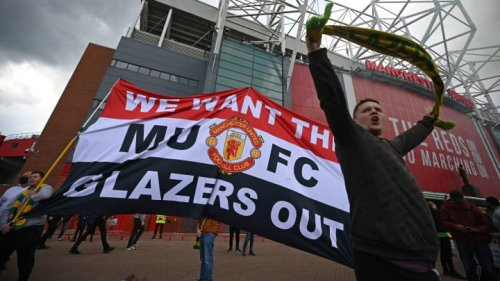 Man Utd fans storm Old Trafford before Liverpool game