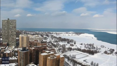 Time-Lapse Captures Massive Ice Sheet Breaking Away From Lake Michigan Shoreline