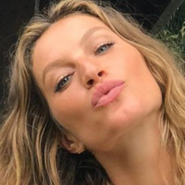 What Gisele Bundchen Typically Eats In A Day