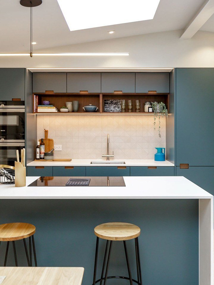 This kitchen under-cabinet lighting has nearly 4K positive Amazon reviews