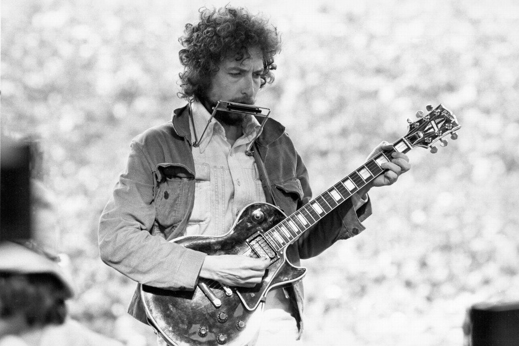 Find Out Why Bob Dylan Sold His Entire Music Catalog