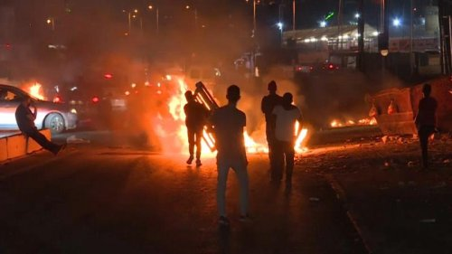 Palestinian protesters and Israeli security forces clash at Qalandia checkpoint