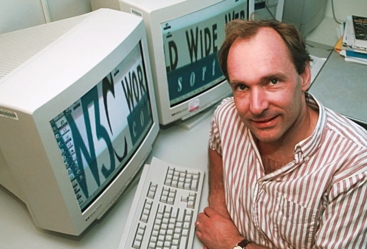 30 Years of the Public World Wide Web