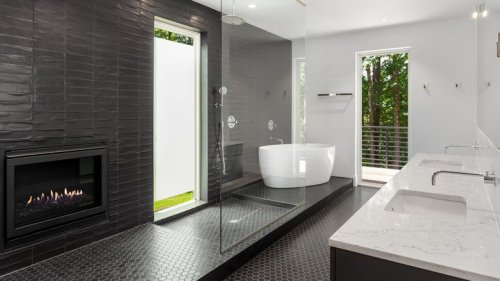25 Stunning Black Bathrooms You'll Be Completely Obsessed With