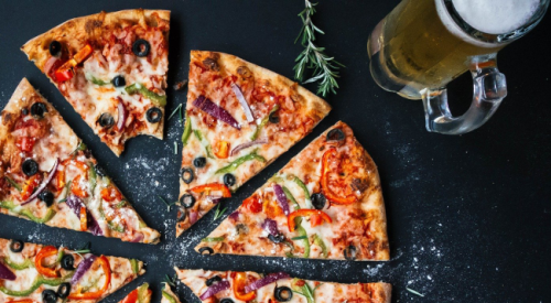Viral pizza delivery guy shows how they steal a slice without you ever knowing