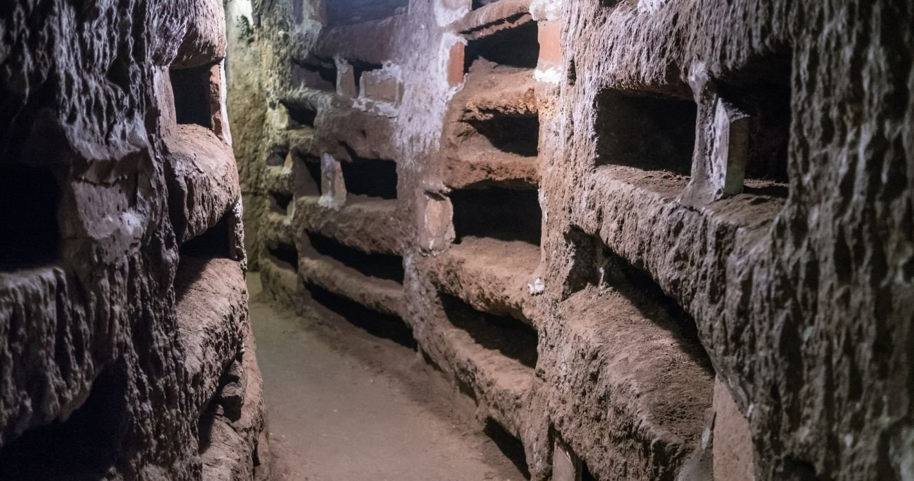 This Is How You Can See The Roman Catacombs While You're In Rome