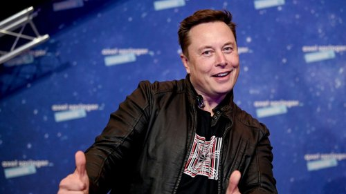 Elon Musk Flip Flops on Tesla Accepting Bitcoin: 'It's a Head-Scratcher'