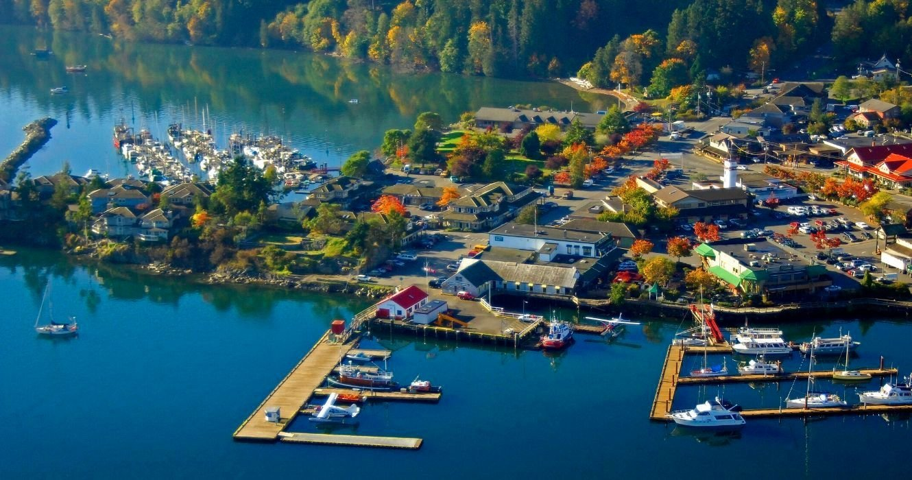 Coast To Coast: Best Small Towns, Food&Things To Do For Laidback Vacation Vibes