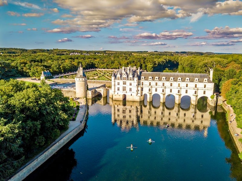 21 MOST BEAUTIFUL FRENCH CASTLES