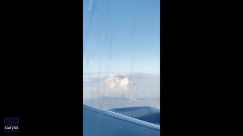 Passengers on LA-Bound Flight Survey Giant Palisades Fire Smoke Cloud
