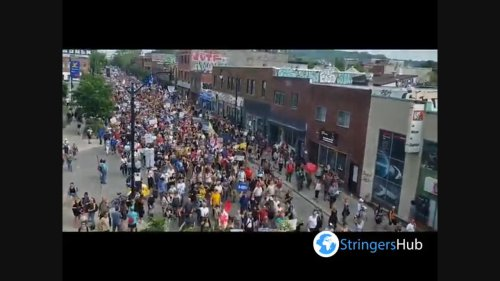 Canada: Thousand of people take part in protest against COVID-19 Restrictions, Montreal