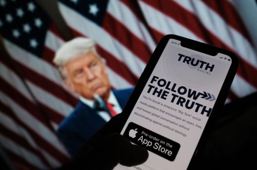 Former President Trump to Launch 'TRUTH' Social Network in 2022