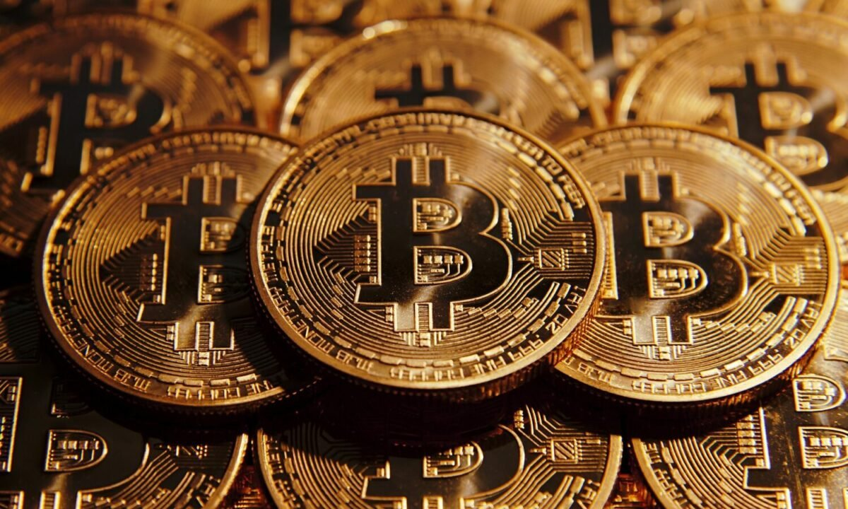 Bitcoin to $15k - Laughable, or does it have any basis?
