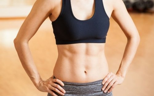 Best Workouts to Lose Love Handles and Tone Your Abs, Say Trainers