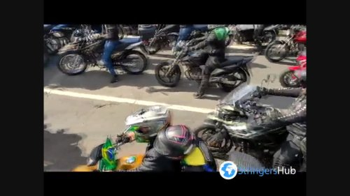 Brazilian President participates in an act with motorcyclists on the streets of São Paulo