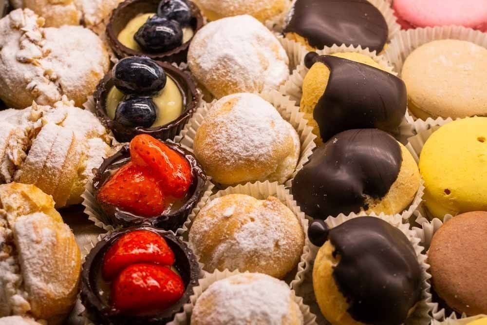 34 Traditional Italian Desserts and Pastries