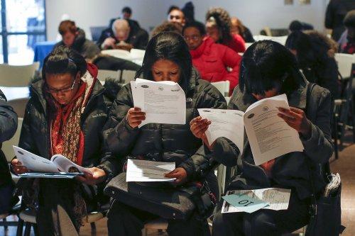 Creación de empleo se acelera en marzo en EEUU, tasa de desocupación baja a 6%