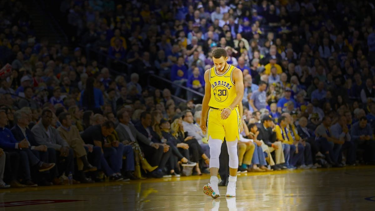 The Warriors need to let Steph Curry go