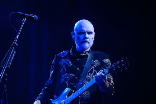 Watch Smashing Pumpkins play a classic song for the first time in decades