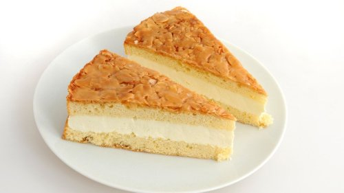 Aldi Shoppers Are Raving About This Traditional German Cake