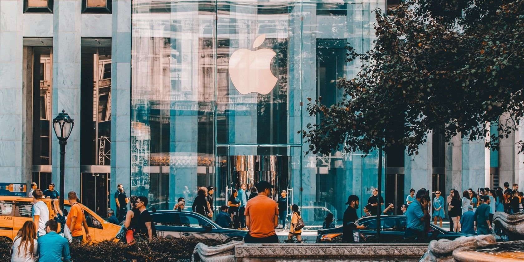 What Makes Apple So Successful?