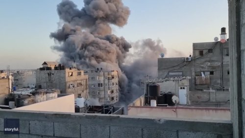 Israeli Airstrike Obliterates Building in Gaza During Ongoing Conflict