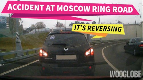 'Reversing Car Smashes Right into the Vehicle Behind it (Moscow)'