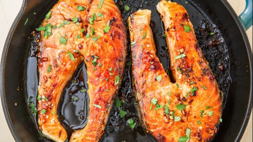 You Only Need 10 Minutes To Make These Buttery Salmon Steaks