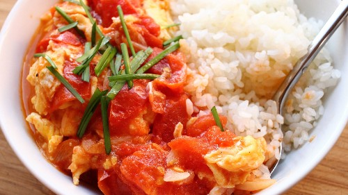 Chinese Stir-Fried Tomatoes And Eggs Is Perfect In A Snap!