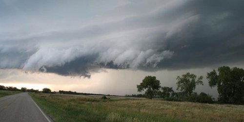 Severe Thunderstorms Are Heading To Ontario RN & Will Bring 'Ping Pong Ball Size