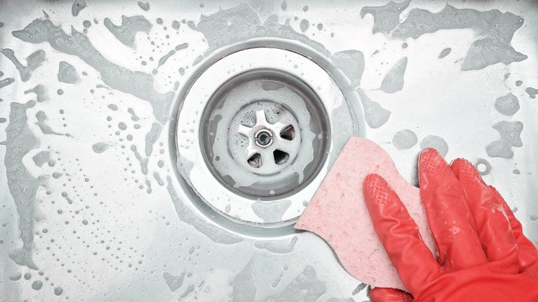 The Clever Hack That Stops Drain Odor In Its Tracks
