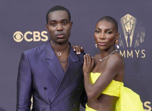 Emmys: O-T Fagbenle rocks Nigerian look, Porter wears wings