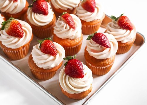 Cute and Delicious Mother's Day Cupcake Ideas!
