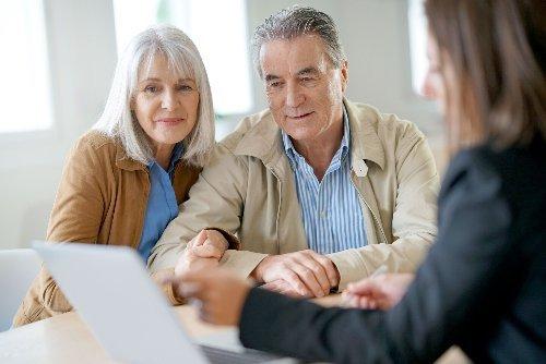 Should You Hire a Retirement Advisor?