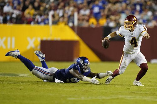 Hopkins converts 2nd chance, Washington beats Giants 30-29