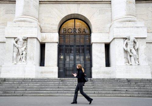 Borsa Usa in ribasso zavorrata da titoli tech, pesa balzo casi Covid