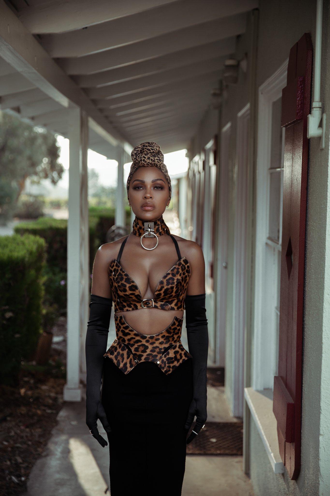 HelloBeautiful: Powerful Black Women Issue