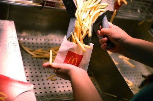 McDonald's employee blows the internet's mind with secret fry trick