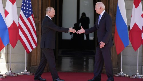 'Stop pushing!': Security and journalists tussle as Biden-Putin summit begins