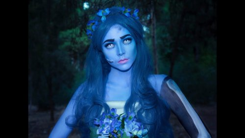 Talented Beautician Creates Emily The Corpse Bride Using Body Paint