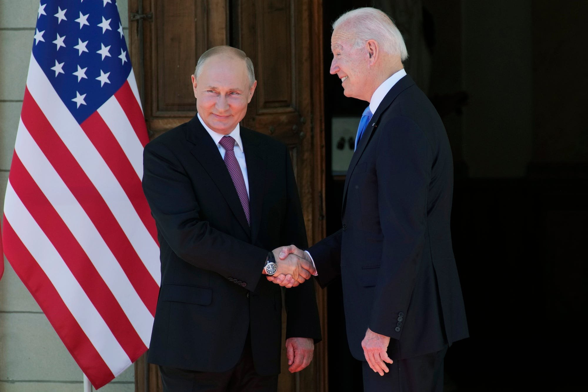 Biden and Putin pose for photos ahead of intense US-Russia summit