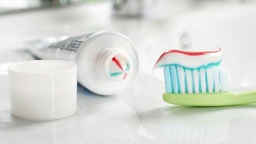 The Toothpaste Mirror Hack You Need To Try