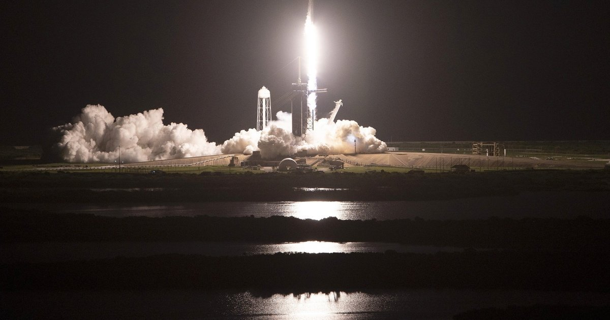 SpaceX makes history with first all-civilian spaceflight