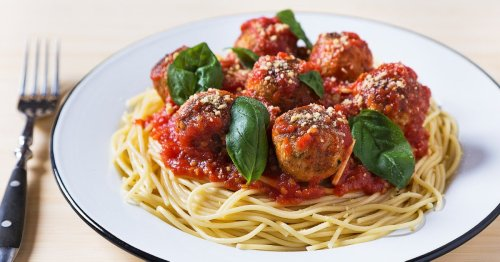 How To Make Vegan Meatballs That Taste As Good As The Real Deal