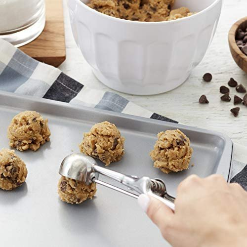 Must-Have Tools to Bake Mouth-Watering Chocolate Chip Cookies