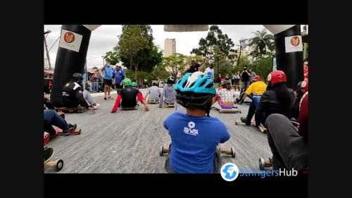 Children and adults take part in Rolimã cart race in São Paulo, Brazil