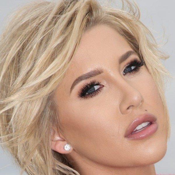 What Savannah Chrisley Really Looks Like Underneath All That Makeup